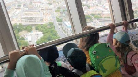 Ausflug mit den ABC-Zwergen – der Fernsehturm am Alexanderplatz